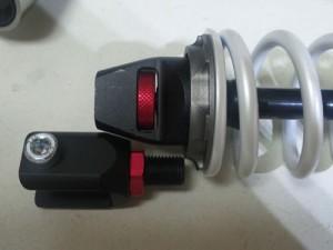 カメファク v125用 320mm スーパーショック これで295㎜